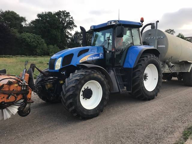 New Holland TVT135