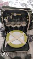 Bush baby picnic set-for 4 persons