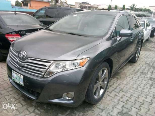 ADORABLE MOTORS: An extremely clean, fairly used 010 Toyota Venza Lagos Mainland - image 1