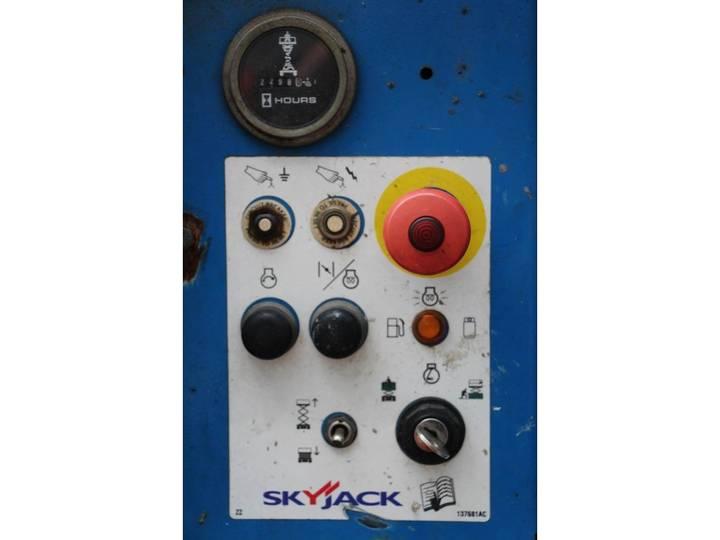 Skyjack SJ6826RT - 2007 - image 3