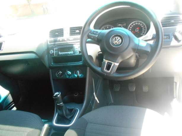 2013 VW Polo 6 1.4 with mags and a panoramic sunroof for sale Johannesburg - image 8