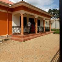 Executive three bedroom stand alone house for rent in bweyogerere 750k