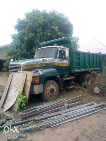 Mack truck for sale at a give away price... Wumba - image 2