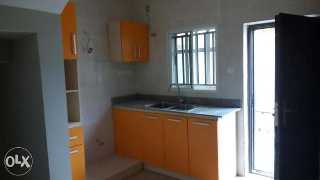 3 Bedroom Terrace with BQ(Serviced) before Chevron, Lekki Lekki Peninsula - image 3
