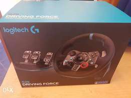 Logitech G29 Driving Force steering wheel for PS4, PS3 und PC
