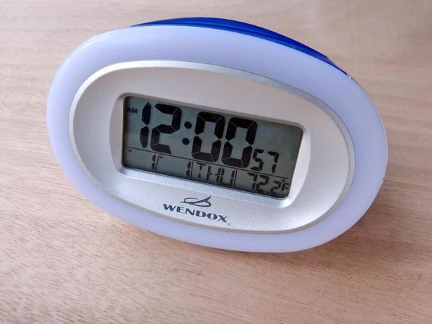 36e221f6 Электронные часы будильник календарь термометр Wendox W4482 Киев -  изображение 1