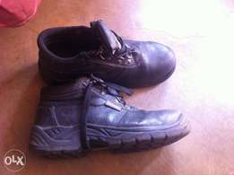 Hi tec safety boots