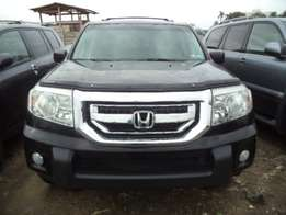 Foreign used black 2010 Honda pilot for sale. Touring Edition