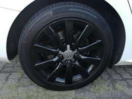 Audi B8 17 inch rims and tyres for sale *R4200*