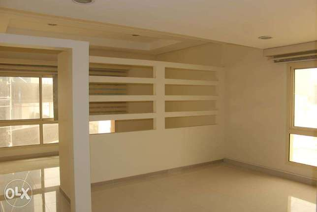 Modern Office for rent in Seef