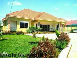 5 bedroom bungalow for sale at najjera it has 4 bathrooms