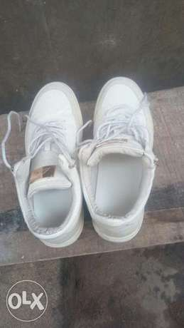 Original masoti leather sneaker Benin City - image 4