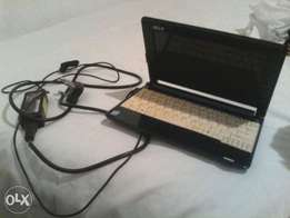Acer notebook Laptop comes with a charger