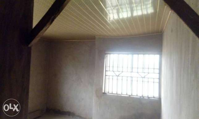 4bedroom flat on a full plot for sales Ibadan South West - image 4