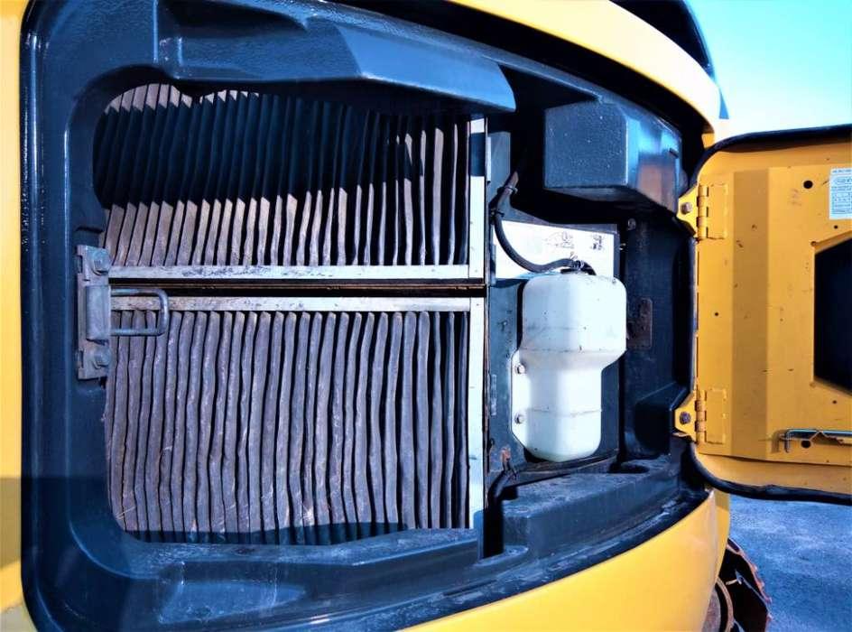 New Holland Kobelco E235b Sr - 2007 - image 6