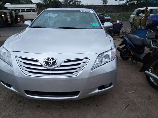 Very clean toyota camry Ojodu - image 2