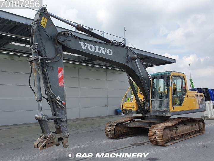 Volvo EC240BNLC Good undercarriage - 2006