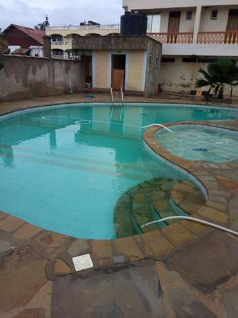 Budget Rooms off Serena Road Near The Famous Intercontinental Hotel. Nyali - image 1