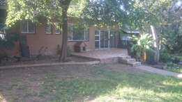 3 Bedroom house to let in Fontainebleau, Randburg