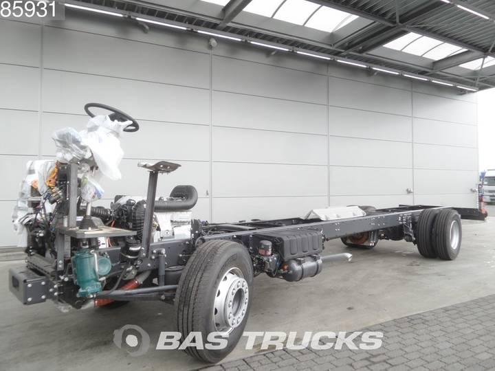 Renault Fahrgestell für Bus oder LKW 300 4X2 Telma DXi Euro 5