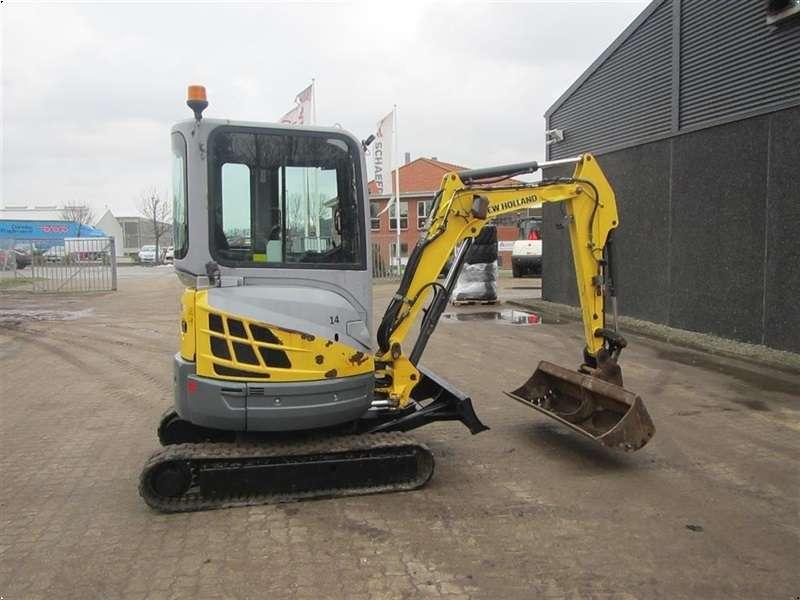 New Holland E26B - 2011 - image 6