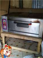 single deck baking oven + trays