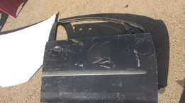 VW Golf 5 right front door shell
