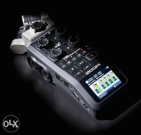 Zoom H6 Six-Track Portable Recorder (sealed with warranty)