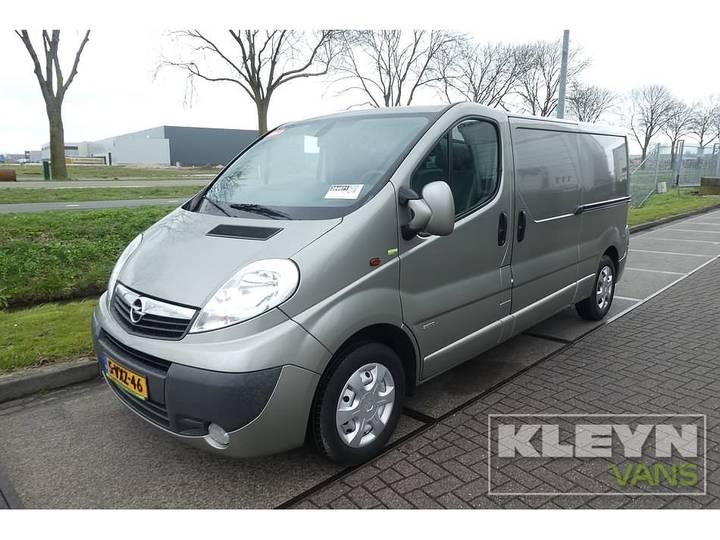 Opel VIVARO 2.0 CDTI 115 lang, airco, 2x zijd - 2012