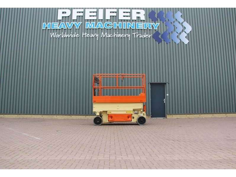 JLG 2030ES Electric, 8.1m Working Height, Non Marking - 2012
