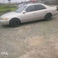 neatly used toyota camry 1999