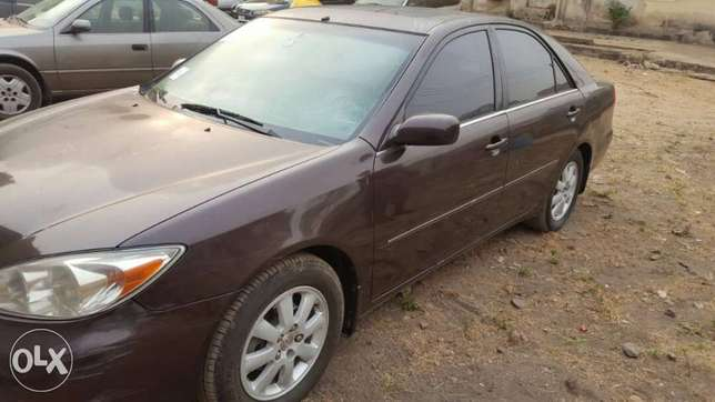 ADORABLE MOTORS: A 2004 Tokunbo Toyota Camry XLE Lagos Mainland - image 6