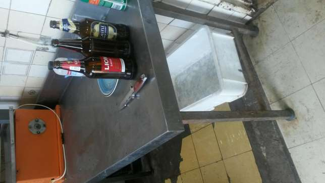 Stainless steel table no sms Hartbeespoort - image 1