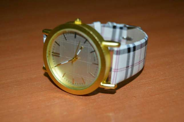 Patterned Designer Ladies Watch Nairobi CBD - image 3