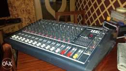 Yamaha mixer Good quality owsome serving qualinty