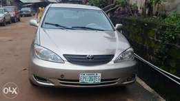Gold colour Toyota camry 05'