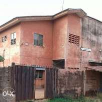 A storey building of student hostel with 20 self contain rooms 4 sale