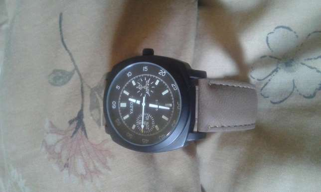 Yazole Quartz Stainless Steel Watch for sale Kampala - image 1