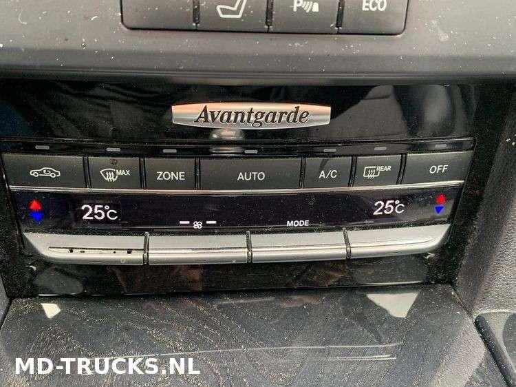 Mercedes-Benz E200 CDI - 2012 - image 12