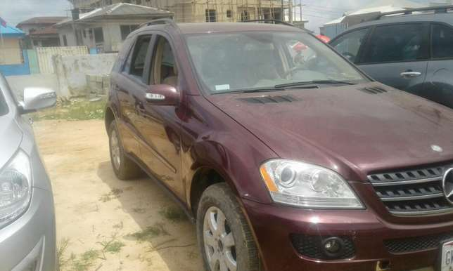 2007 Toks Mercedes Benz ML 350 Lagos Mainland - image 4