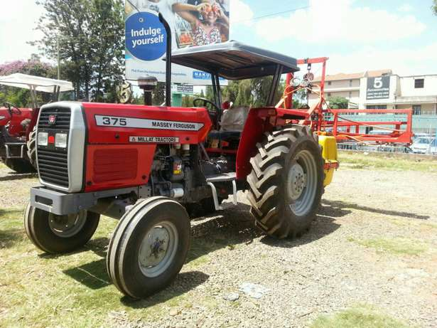 Massey Fugerson 375 tractor plus plow 2016 model.buy on hire-purchase! Lavington - image 4