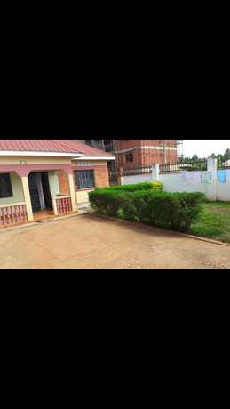 House to let in Najjera at 700000 Kampala - image 1