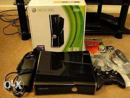 Excellent condition Xbox 360 refurb with 10 games free and warranty