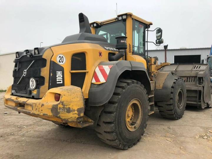 Volvo L 110 H Hochkippschaufel Klima good condition!! - 2015