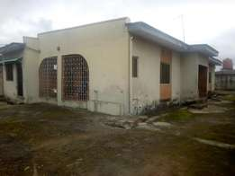 Two unit of three bedroom and two room and parlour self contain at Iga
