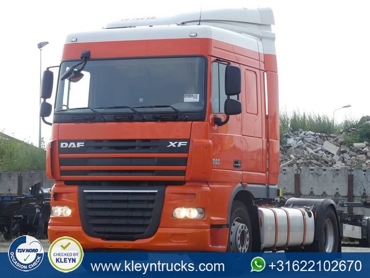 DAF XF 105.410 manual - 2012