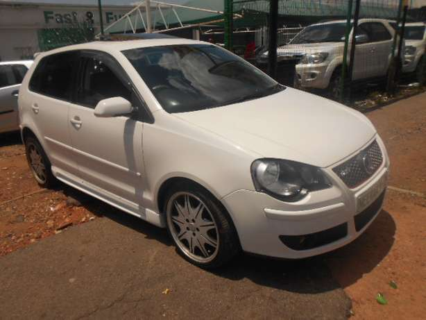 2008 VW Polo 1.6 Full house with mags and a sunroof for sale Johannesburg - image 2