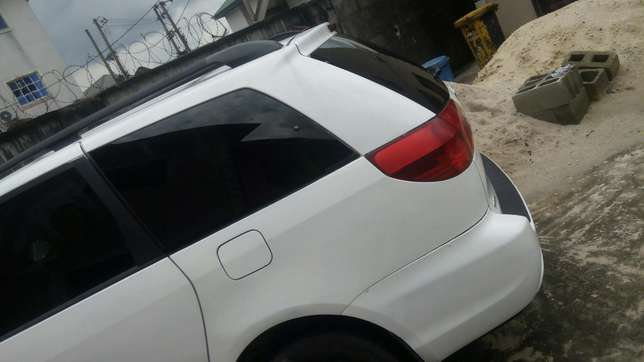 Super clean Toyota sienna for sale Port-Harcourt - image 5
