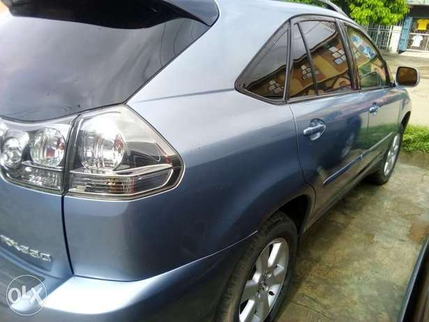 Tokunbo Lexus Rx330 for sale Lagos Mainland - image 3