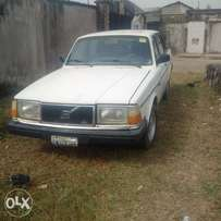 Automatic Volvo 240GL for sale